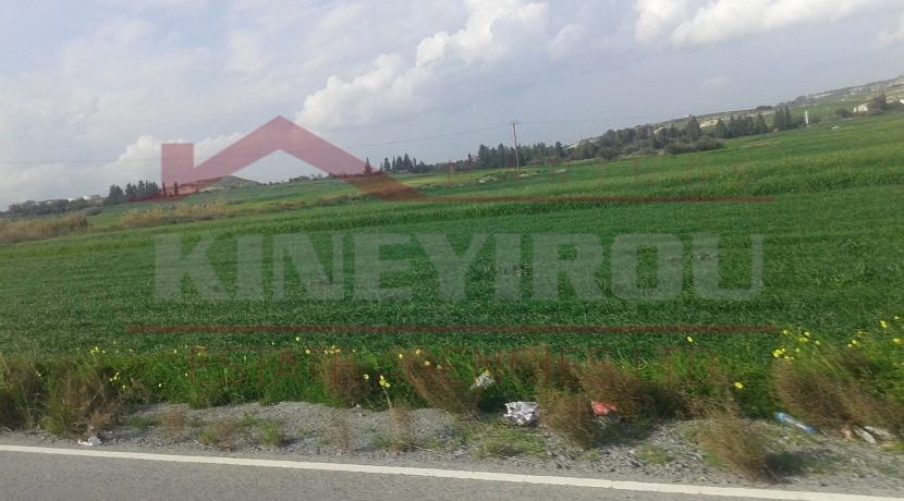 Investment property in Larnaca - Land in Livadia - Larnaca properties