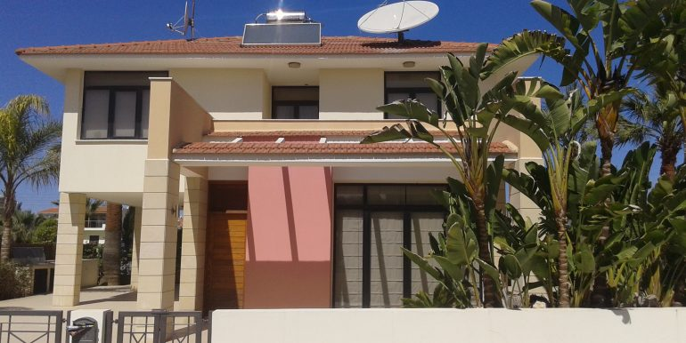 Property in Larnaca -house for rent in Dhekelia Road - Larnaca properties
