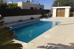Rented House in Dekelia Road Larnaca - Larnaca properties