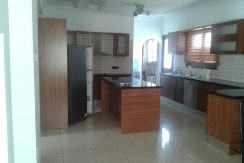 Rented Spacious four bedroom house near La Stampa