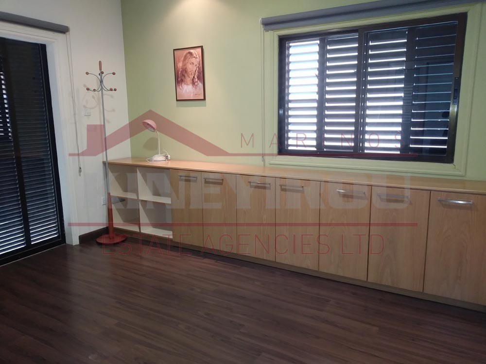 Amazing beauty salon for rent in Faneromeni, Larnaca