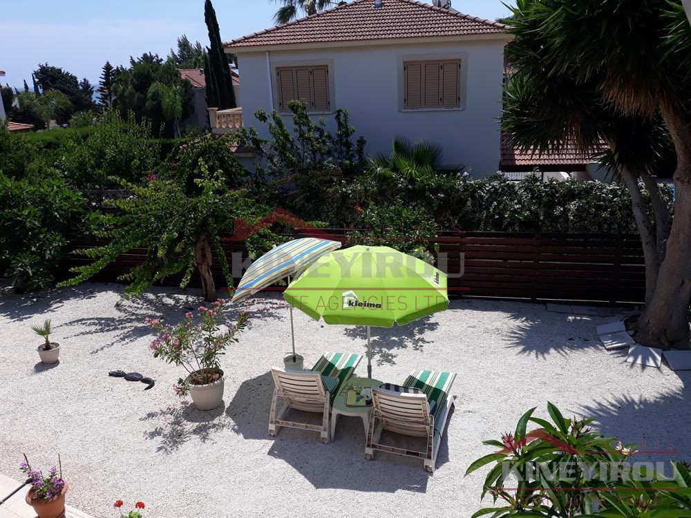 Spacious 4 Bedroom House in complex, Pervolia – Larnaca