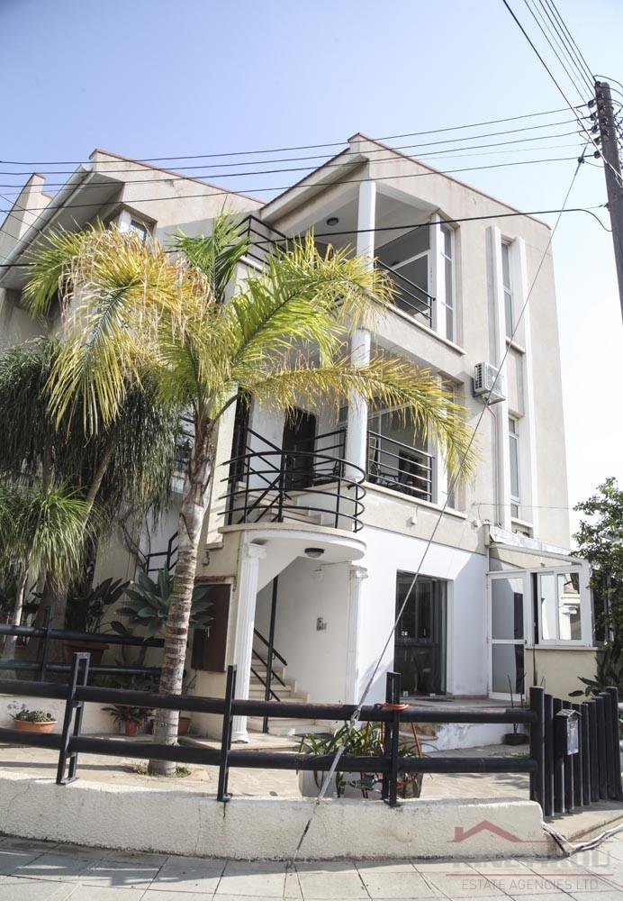 Luxury three-floor property in Larnaca, New Hospital Area