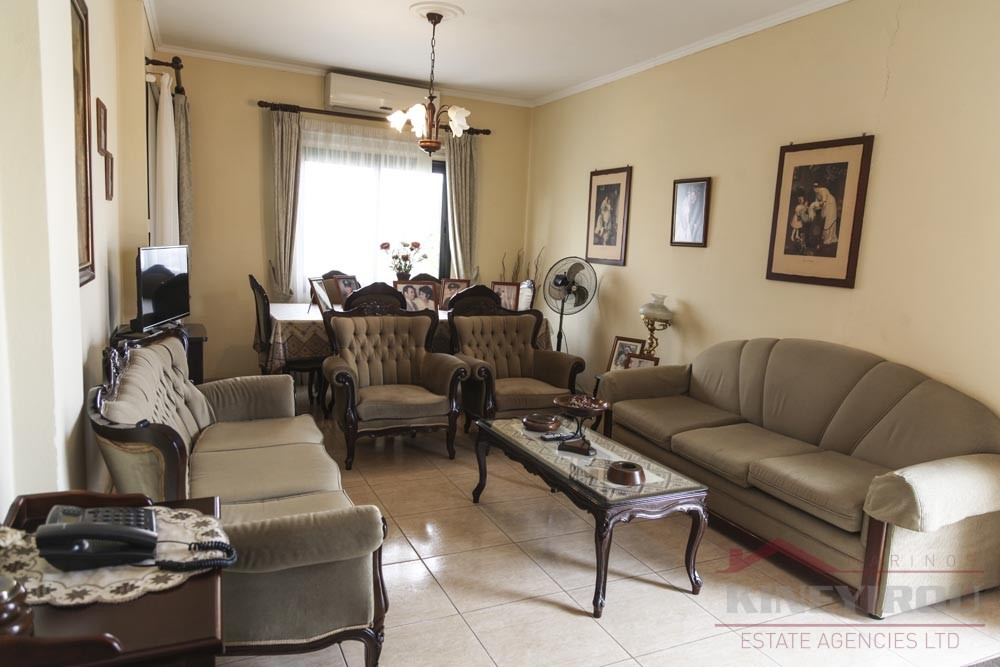 Beautiful three bedroom upper house for rent in Drosia, Larnaca