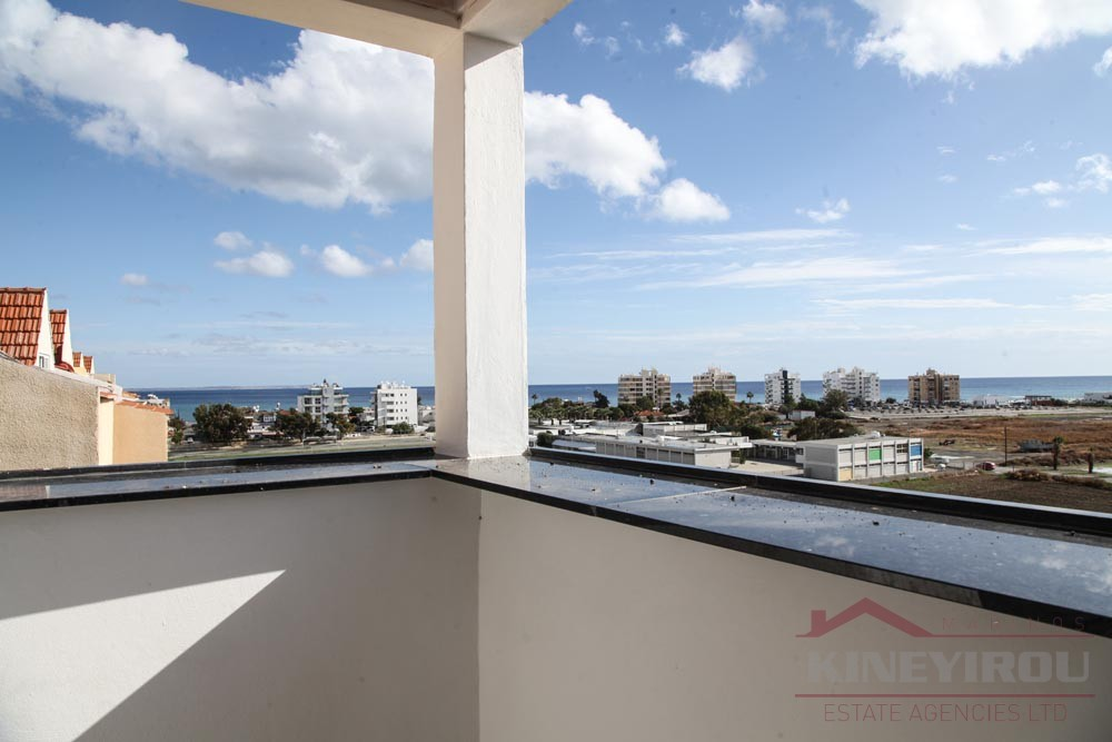 Beautiful 3 bedroom apartment for sale in Mackenzy, Larnaca