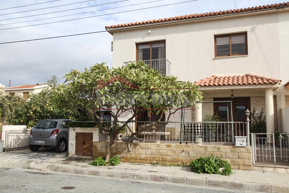 Spacious 3 bedroom house for sale in Larnaca, Krasa area