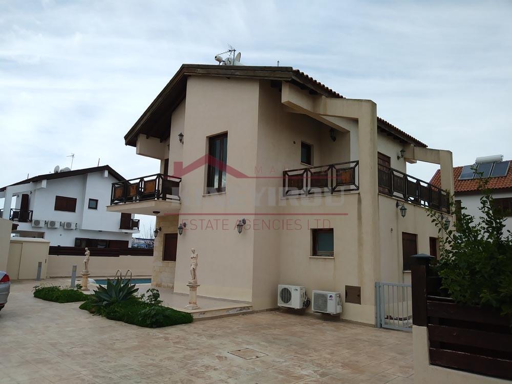 House For Sale in Dekhelia- Larnaca