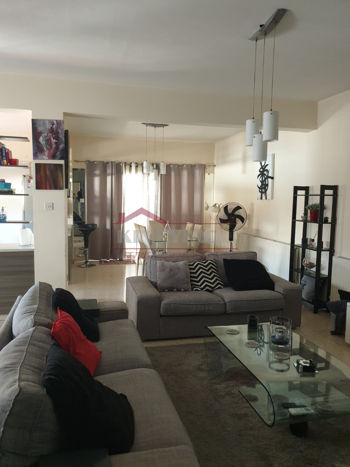 Upper 3bedroom House & 2 shops in Drosia ,Larnaca