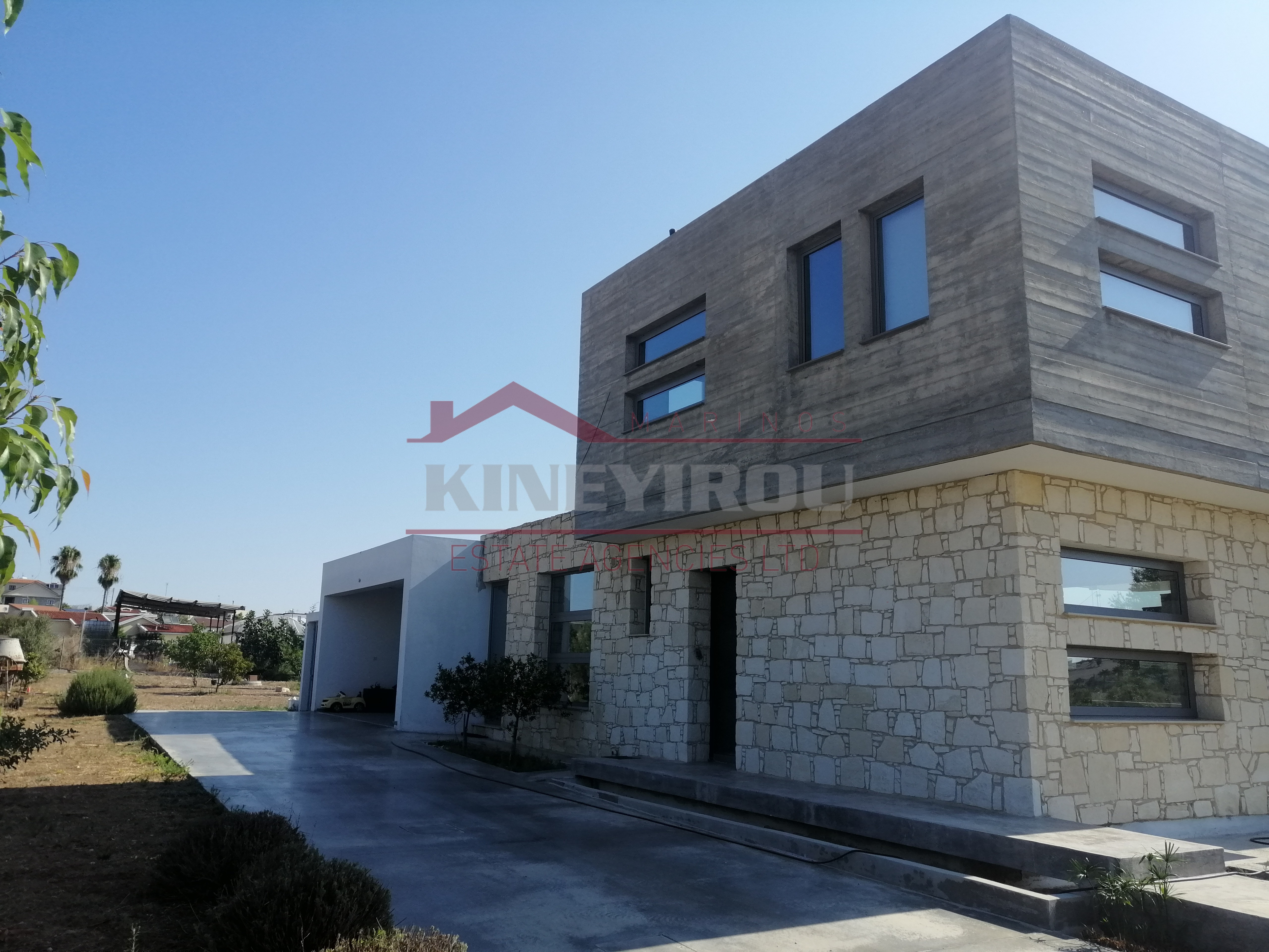 Luxurious Detached House in Lympia Village