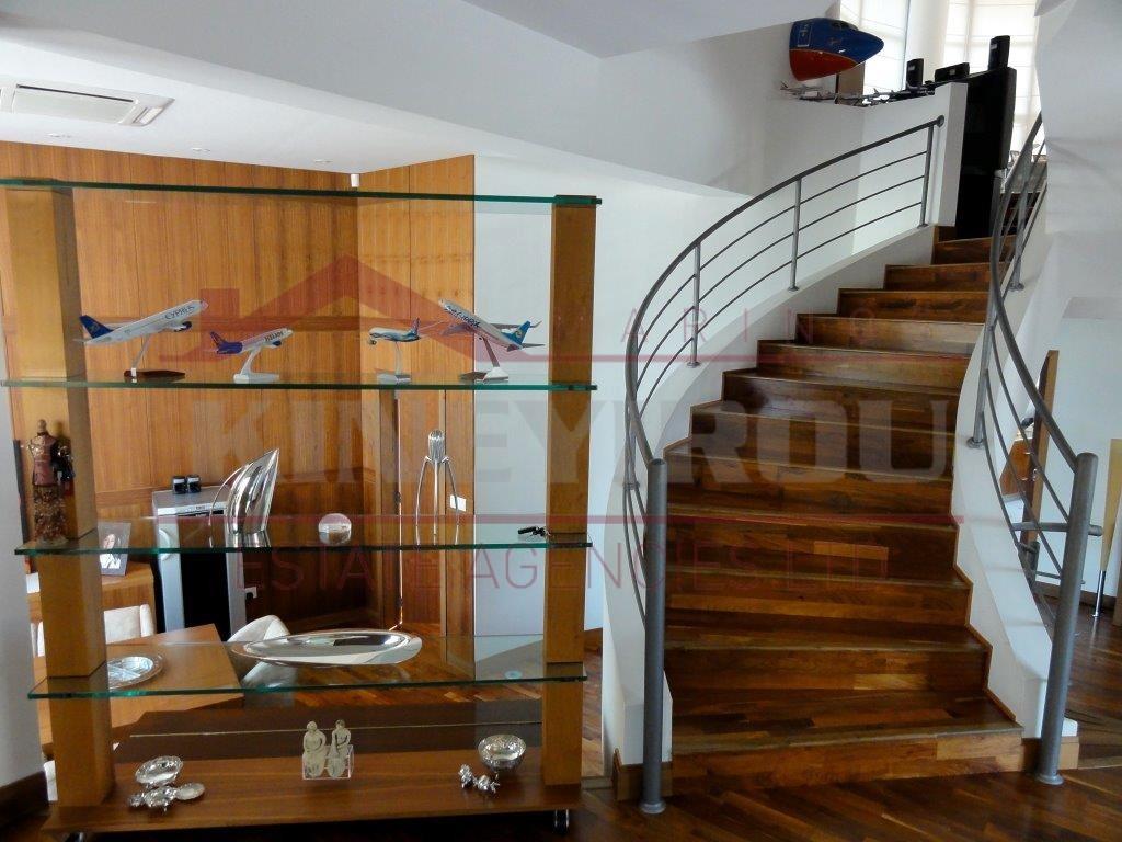 Luxury house in Kamares , Larnaca