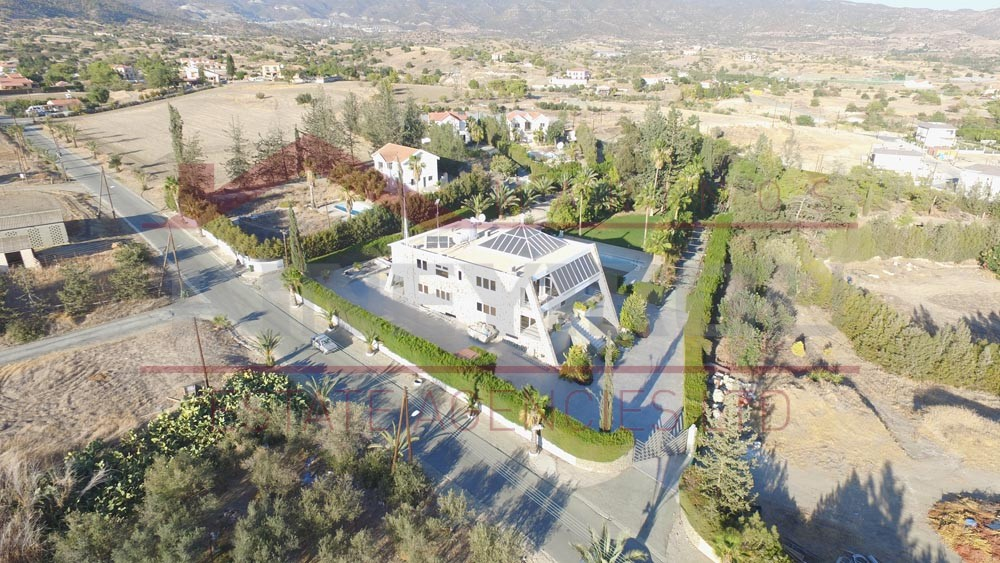 Luxury villa in Parekklisia , Limassol