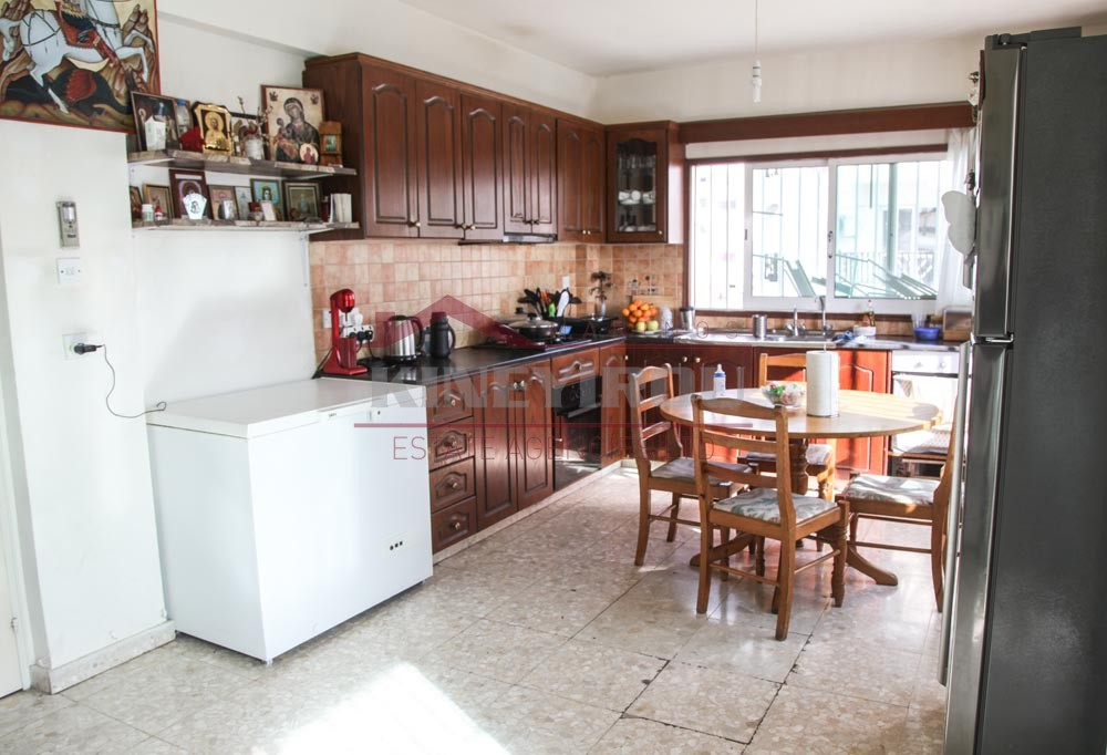 Lovely 3 bedroom apartment  in Larnaca, Makariou area