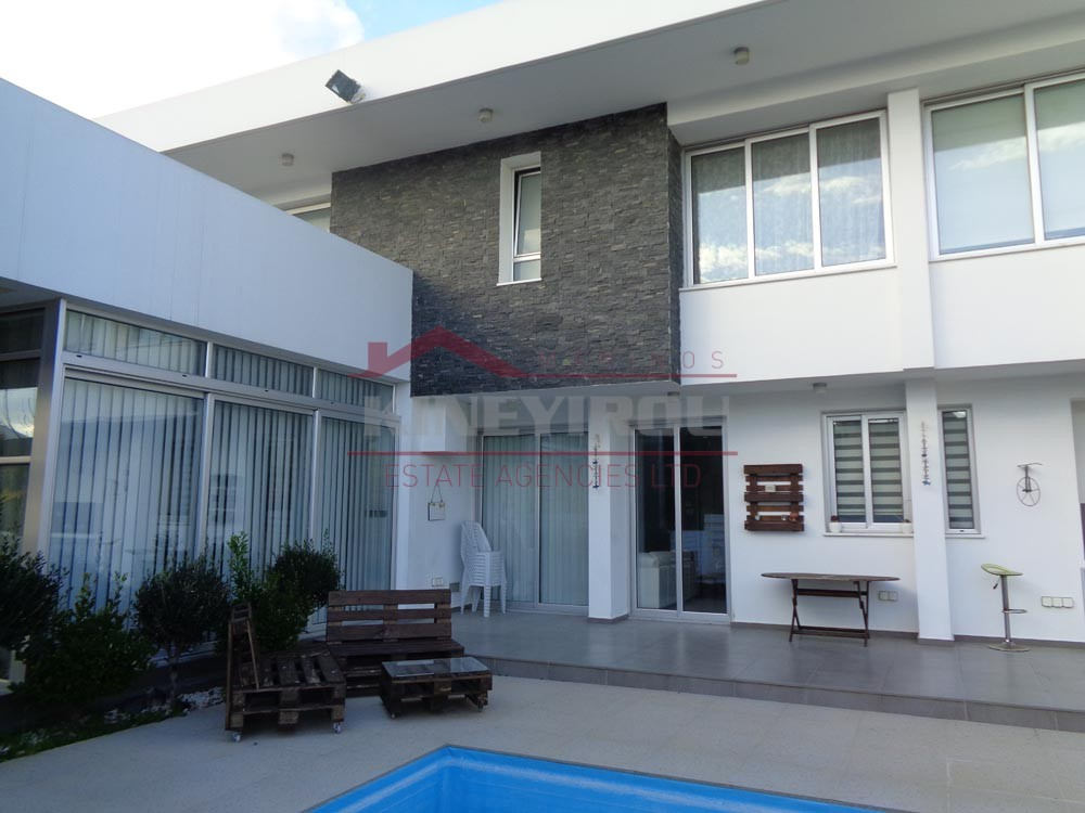 4 Bedroom House in Meneou , Larnaca