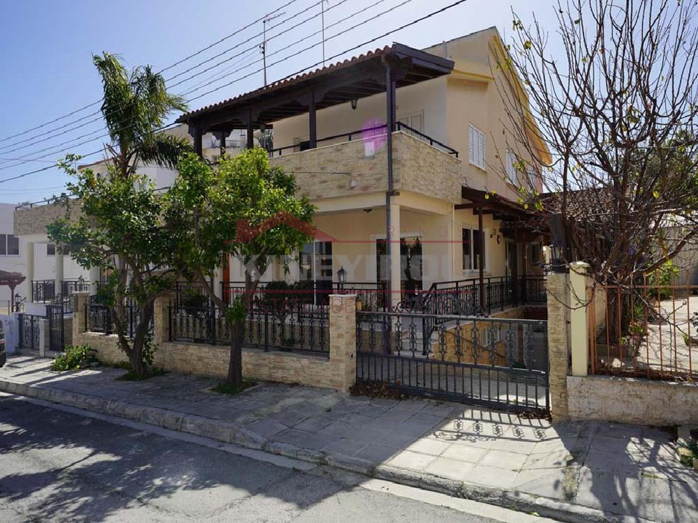 4 Bedrooms House in Sotiros,Larnaca