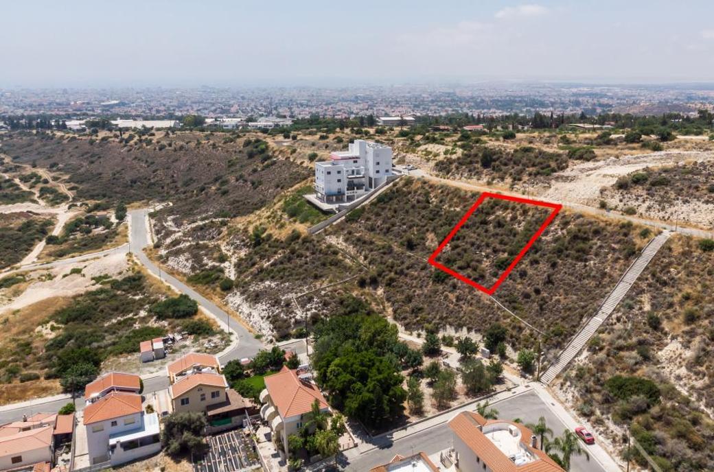 Plot in Agia Fylaxis, Limassol