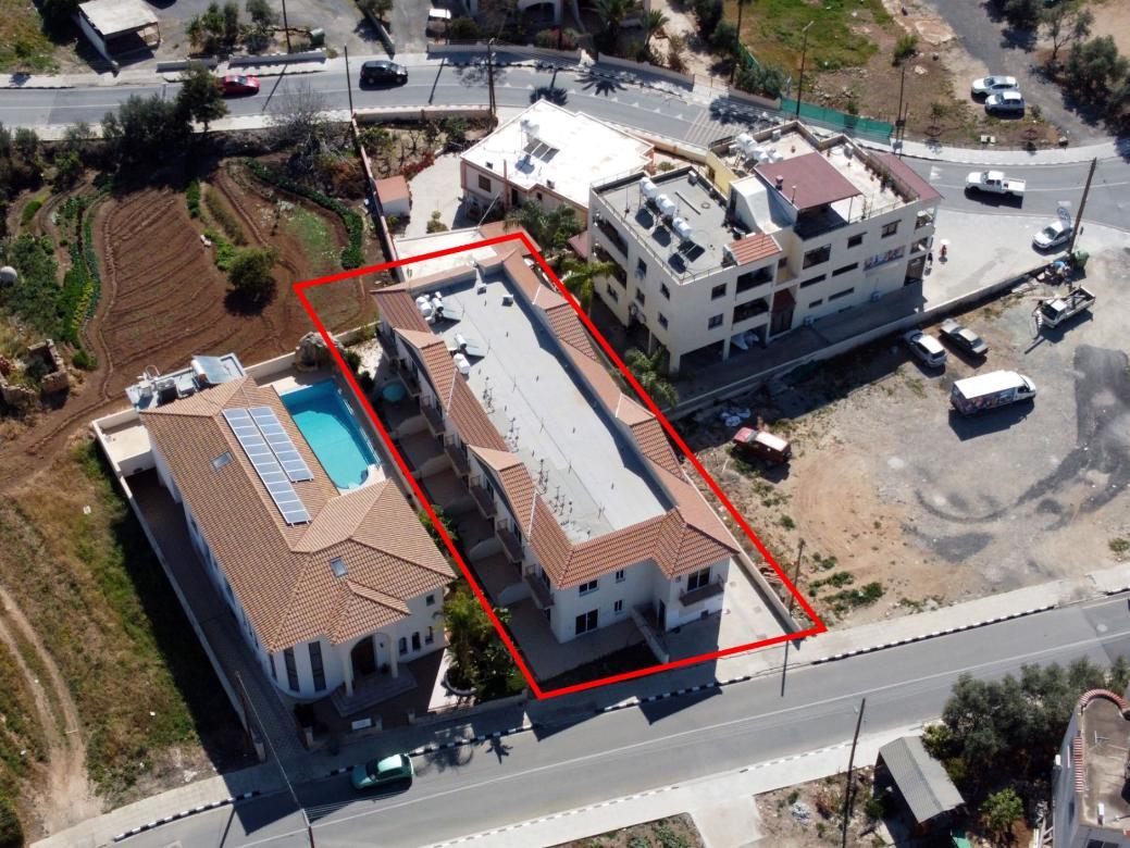 Five incomplete maisonettes in Chloraka, Paphos