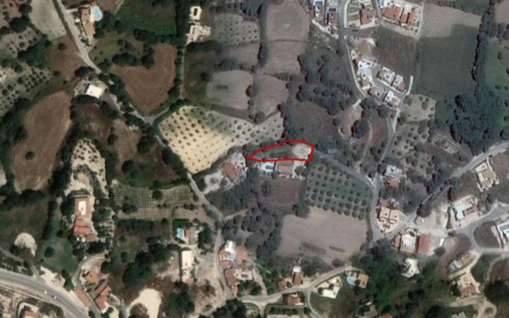 Shared field in Stroumpi, Paphos